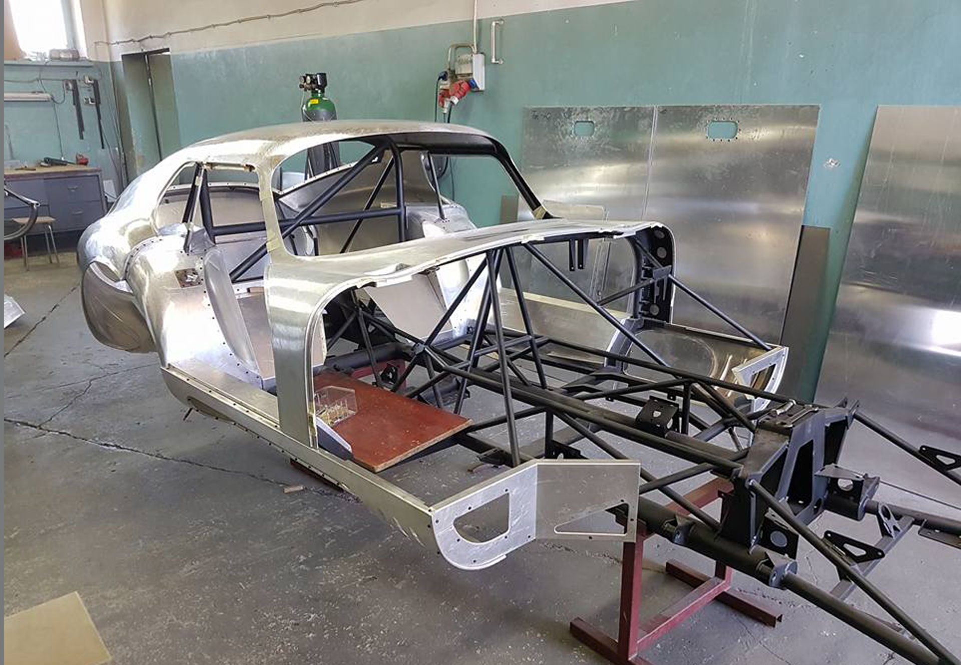 Daytona skin frame